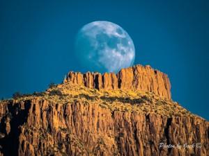 Hoodoo Moon Rising